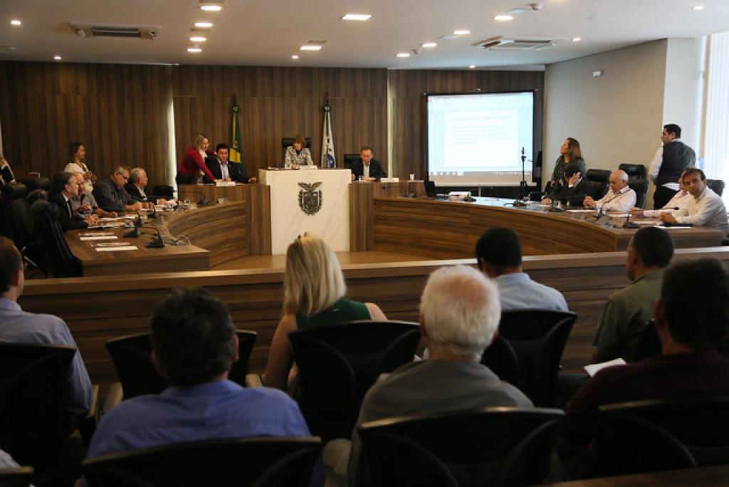 PREFEITO EDIMAR SANTOS PARTICIPA DE AUDIÊNCIA PÚBLICA EM PROL DOS PRODUTORES DE LEITE DO ESTADO