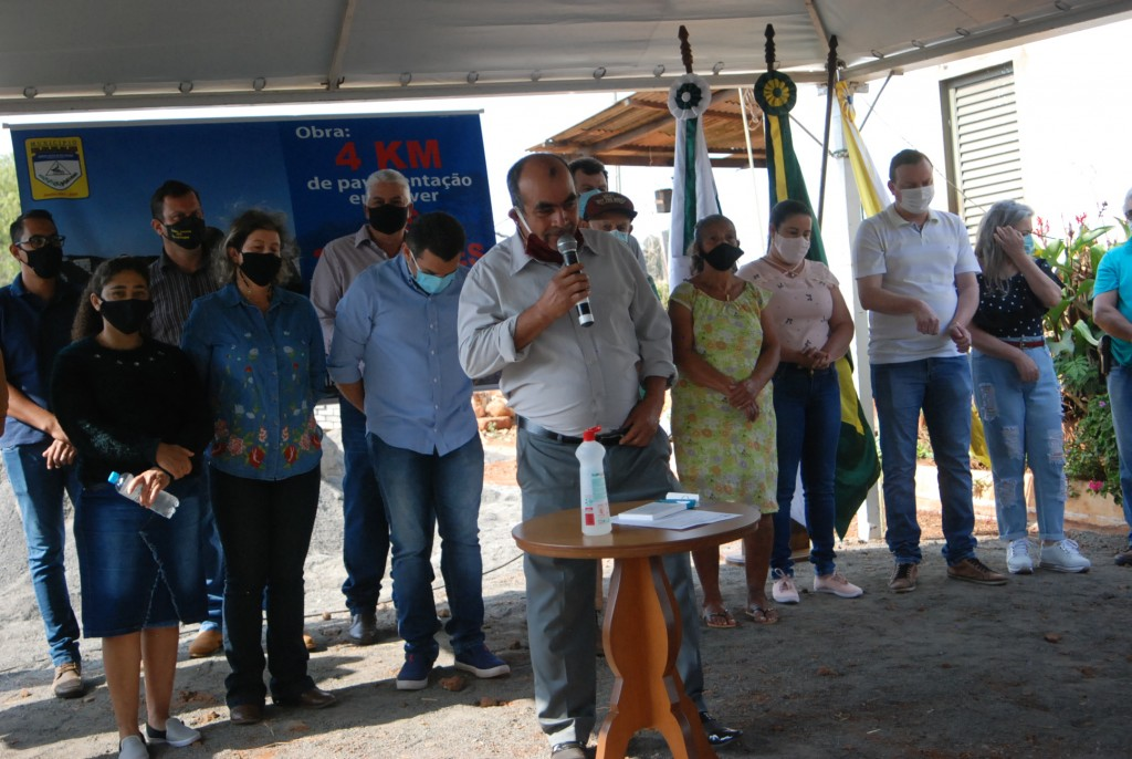 Fotos INÍCIO DA OBRA DE PAVIMENTAÇÃO DE 4KM EM PAVER - 08/09/2021