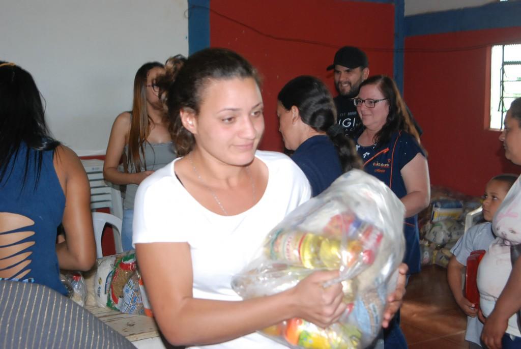 MAIS 55 FAMÍLIAS SÃO BENEFICIADAS COM ALIMENTOS ARRECADADOS NA XXI AGROFEST