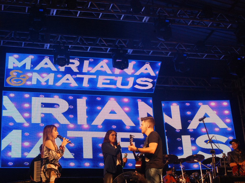 SHOW MARIANA E MATEUS E ENCERRAMENTO COM DEGA SOM
