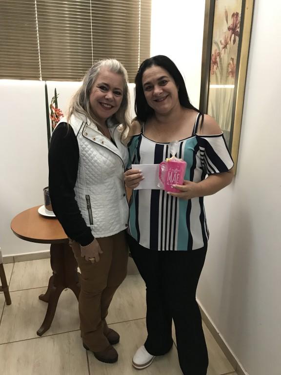 PRIMEIRA DAMA AGRADECE A TODOS COLABORADORES DA TARDE COM AS MÃES