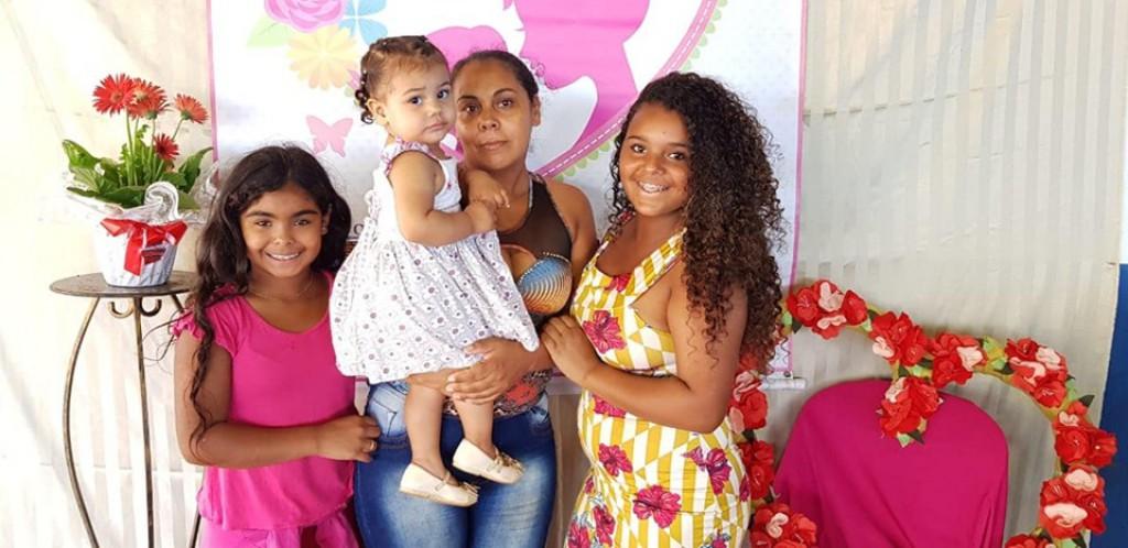 MÃES SÃO HOMENAGEADAS EM SANTA CECÍLIA DO PAVÃO