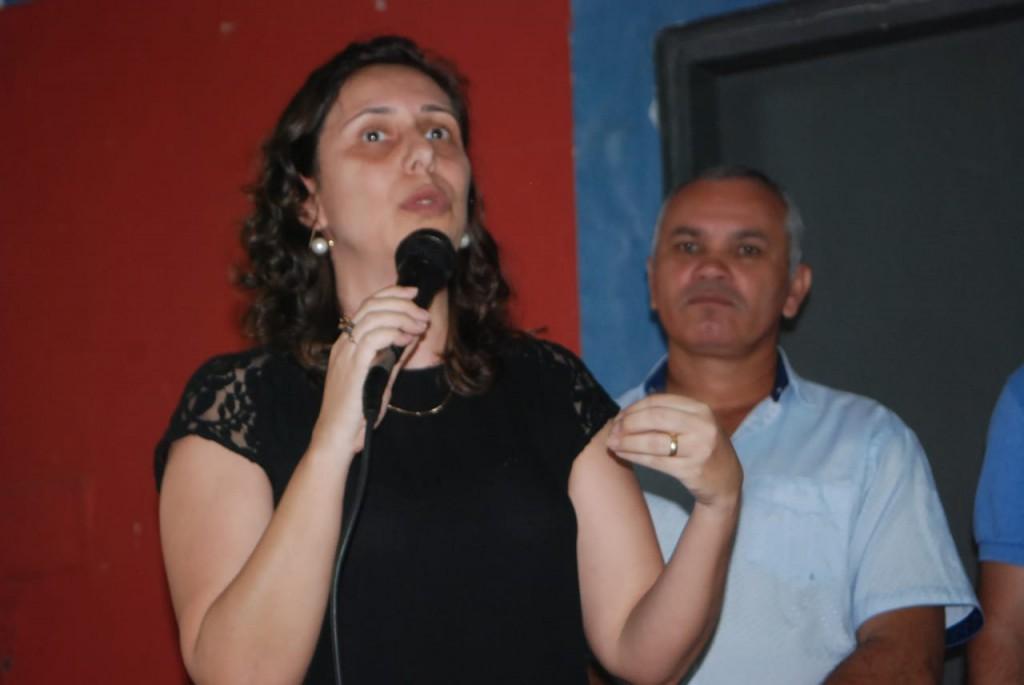 42 FAMÍLIAS SÃO BENEFICIADAS NO INICIO DA DISTRIBUIÇÃO DOS ALIMENTOS ARRECADADOS NA XXI AGROFEST