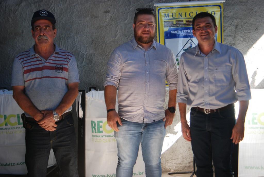 MUNICÍPIO RECEBE NOVOS EQUIPAMENTOS PARA RECICLAGEM