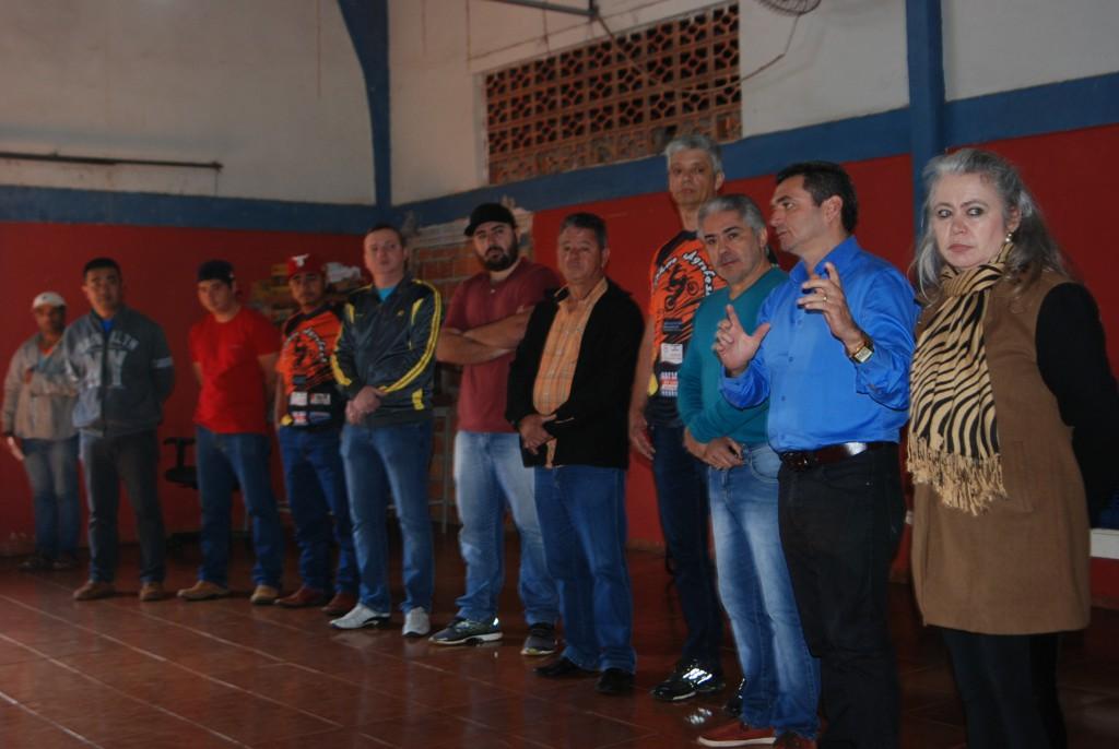 Fotos PREFEITURA MUNICIPAL E TRILHEIROS OFF ROAD TRILHÃO DA AGROFEST REALIZAM ENTREGA DE ALIMENTOS