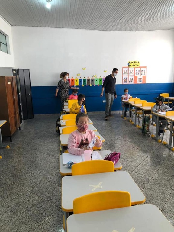 Fotos ENTREGA DE KIT DE MÁSCARAS E ÁLCOOL EM GEL - ESCOLA MUNCIPAL CÍCERO B. RODRIGUES