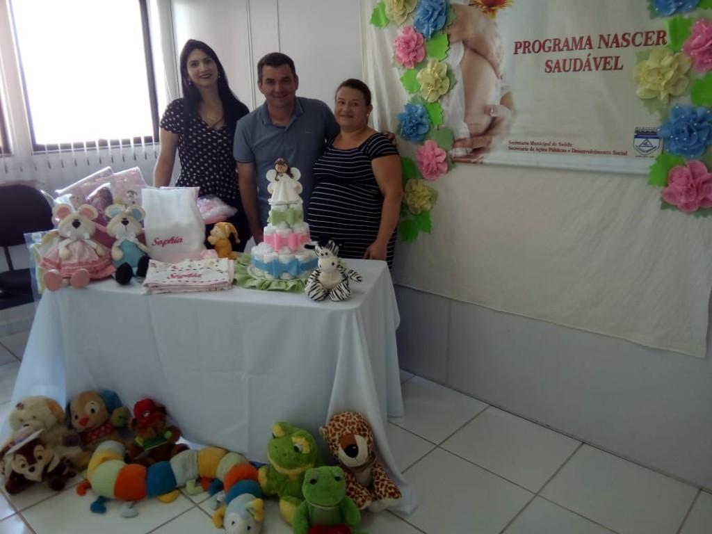 PREFEITO EDIMAR REALIZA ENTREGA KIT DO PROGRAMA NASCER SAUDÁVEL