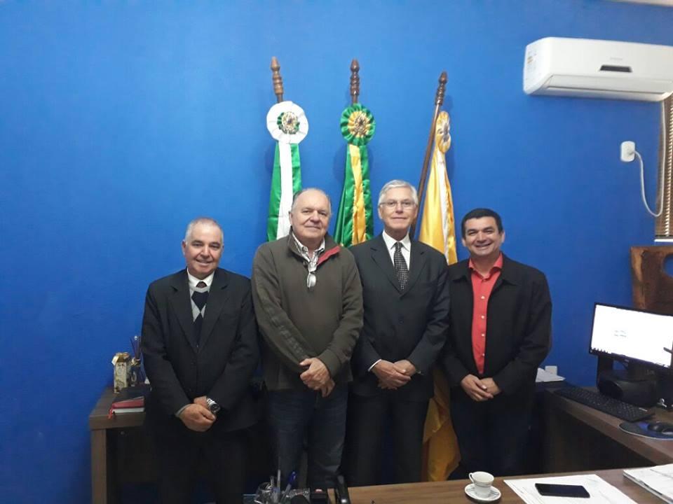 PREFEITO EDIMAR RECEBE VISITA DO CORREGEDOR DO TRIBUNAL DE JUSTIÇA