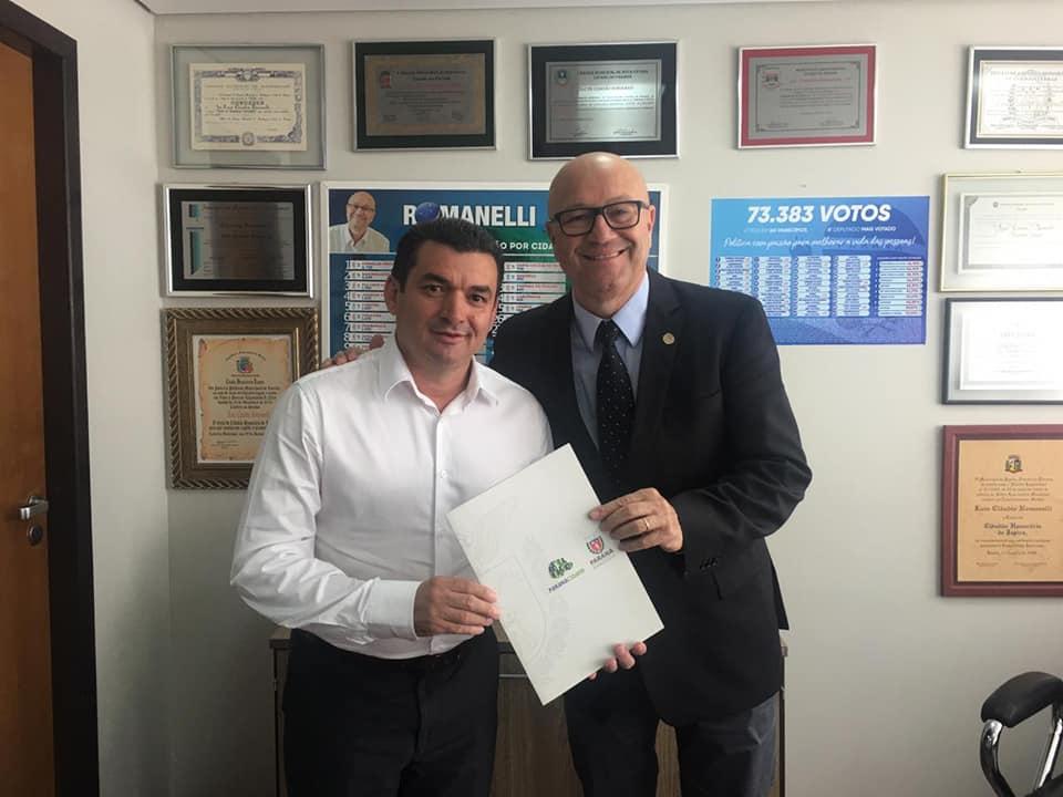 R$ 600 MIL - ESCAVADEIRA HIDRÁULICA para SANTA CECILIA DO PAVÃO