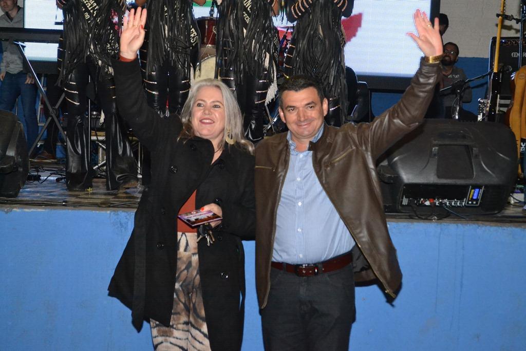 SANTA MISSA ABERTURA OFICIAL E SHOW COM JAIR SUPERCAP MARCAM A SEGUNDA NOITE DA XXI AGROFEST