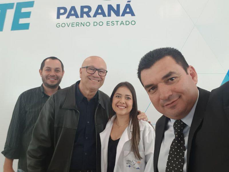 PREFEITO EDIMAR SANTOS RECEPCIONA NOVA MÉDICA QUE ATUARÁ NO MUNICÍPIO PELO PROGRAMA MAIS MÉDICOS