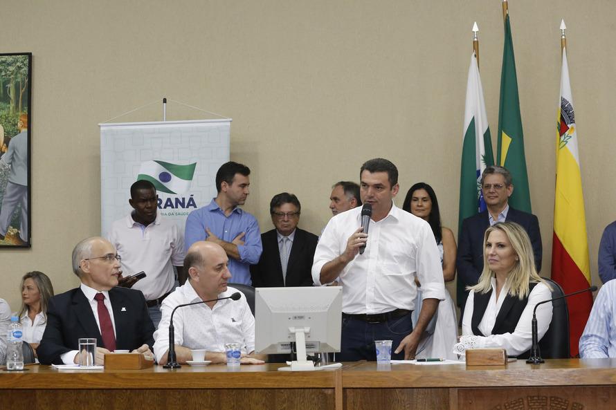 AGENDA DO PREFEITO: EDIMAR SANTOS PARTICIPA DA POSSE DO NOVO SECRETÁRIO DE ESTADO DA SAÚDE